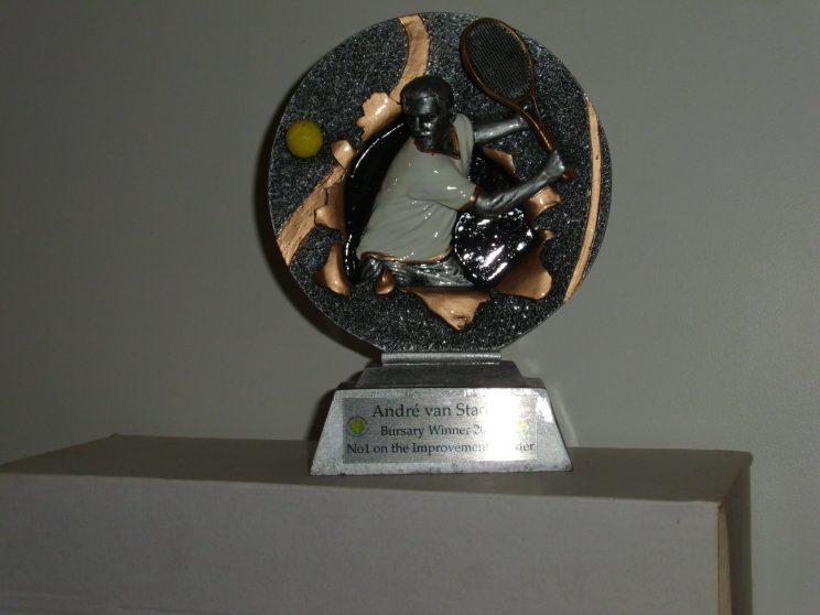 Trophy-Tennis Bursary-AndréVanStaden
